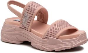 Różowe sandały Steve Madden z klamrami