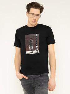 Czarny t-shirt Armani Exchange z nadrukiem z krótkim rękawem