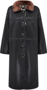 Czarny płaszcz Urbancode London