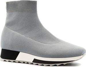 Buty sportowe Neścior z płaską podeszwą w młodzieżowym stylu