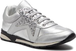 Sneakersy Guess na koturnie sznurowane