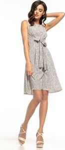 Sukienka Tessita z tkaniny
