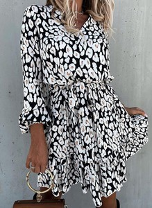 Sukienka Sandbella w stylu casual z długim rękawem