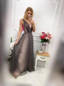 Sukienka E-sukienki.pl z tiulu