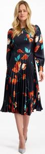 Sukienka Lavard z długim rękawem midi z tkaniny