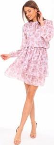 Różowa sukienka LAMISI BUTIK mini z długim rękawem