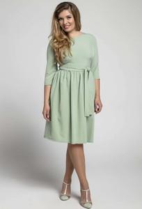 Zielona sukienka Nommo z okrągłym dekoltem rozkloszowana midi
