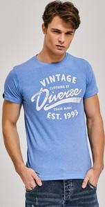 Niebieski t-shirt diversesystem