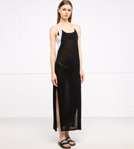 Czarna sukienka Calvin Klein z okrągłym dekoltem na ramiączkach