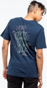 Niebieski t-shirt Cayler & Sons w młodzieżowym stylu z bawełny