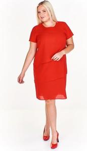 Czerwona sukienka Fokus z okrągłym dekoltem dla puszystych z krótkim rękawem