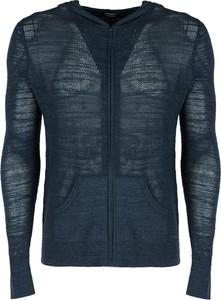 Niebieski sweter ubierzsie.com ze stójką