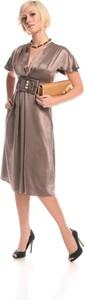 Sukienka Fokus rozkloszowana z dekoltem w kształcie litery v z krótkim rękawem