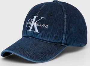 Niebieska czapka Calvin Klein z nadrukiem