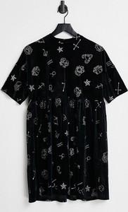 Sukienka Urban Threads z krótkim rękawem mini