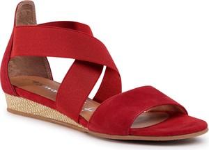 Czerwone sandały eobuwie.pl w stylu casual na średnim obcasie