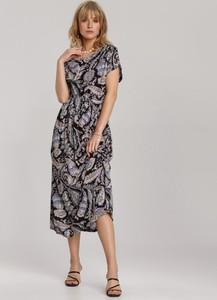Czarna sukienka Renee z krótkim rękawem w stylu casual midi