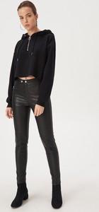Czarne spodnie Sinsay w rockowym stylu