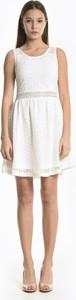 Sukienka Gate mini z okrągłym dekoltem