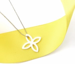SADVA Naszyjnik srebrny ceramika kwiat