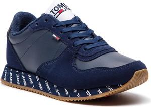 Buty sportowe Tommy Jeans na koturnie sznurowane ze skóry ekologicznej