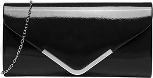 Czarna torebka Tamaris lakierowana mała