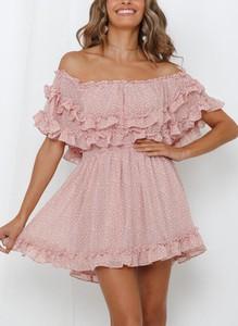Różowa sukienka Cikelly mini hiszpanka w stylu boho