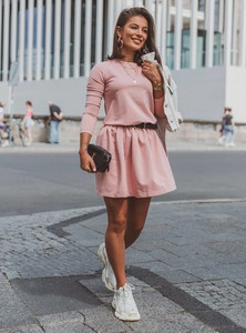 Różowa sukienka SELFIEROOM z długim rękawem