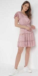 Sukienka born2be w młodzieżowym stylu trapezowa z krótkim rękawem