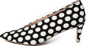 Czarne szpilki L37 ze spiczastym noskiem w stylu klasycznym ze skóry