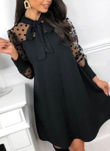 Sukienka Cikelly w stylu casual z okrągłym dekoltem