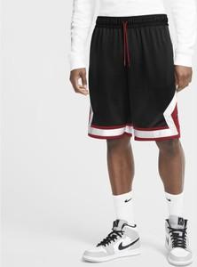 Spodenki Nike w sportowym stylu