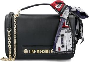 Czarna torebka Love Moschino w stylu boho średnia zdobiona