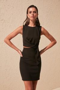 Sukienka Trendyol mini w stylu casual bez rękawów