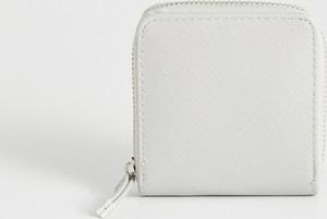 69c889a5c535b Białe portfele damskie