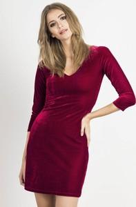 Czerwona sukienka Ivon z dekoltem w kształcie litery v mini z weluru