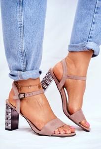 Różowe sandały S.Barski z klamrami