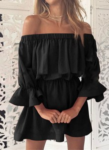 Czarna sukienka Sandbella w stylu casual hiszpanka mini