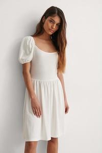 Sukienka NA-KD z bawełny z okrągłym dekoltem trapezowa