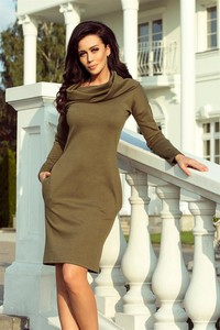Zielona sukienka NUMOCO z długim rękawem midi dopasowana