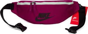 Różowa torba Nike