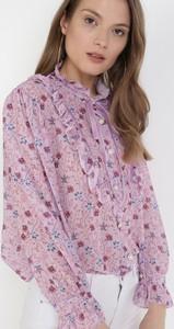 Różowa bluzka born2be z okrągłym dekoltem z długim rękawem
