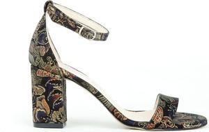 Sandały Zapato z klamrami na słupku z zamszu