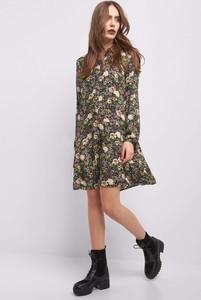 Sukienka ORSAY z tkaniny oversize z długim rękawem