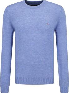 Niebieski sweter Tommy Hilfiger z wełny