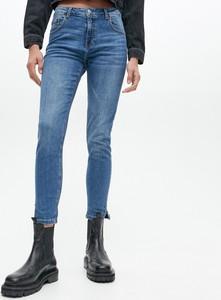Jeansy Reserved z bawełny