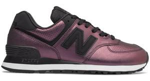 Granatowe buty sportowe New Balance z płaską podeszwą w sportowym stylu 574