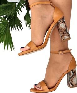 Sandały Tymoteo ze skóry z klamrami na wysokim obcasie