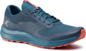 Turkusowe buty sportowe Arc'teryx sznurowane