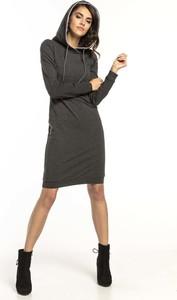 Sukienka Tessita z długim rękawem prosta mini